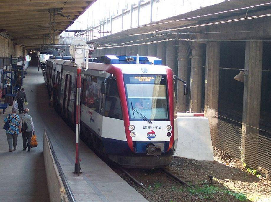 UTK o wynikiach z IV kwartału 2017 roku: Spadła punktualność pociągów pasażerskich