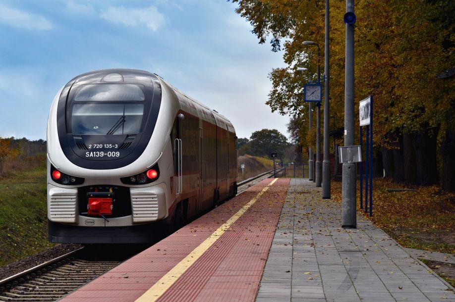 NaKolei.pl - Poznańska Kolej Metropolitalna z 5 mln zł dofinansowania od Miasta Poznań