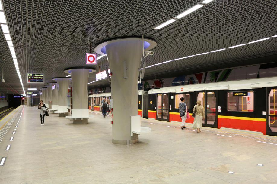 NaKolei.pl - Metro Warszawskie poszukuje pracowników. Trwa szkolenie maszynistów