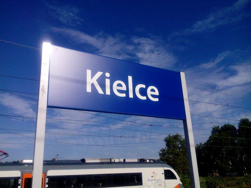 NaKolei.pl - Dworzec kolejowy w Kielcach zmodernizowany w 2023 roku, w Skarżysku-Kamiennej już w 2019 roku