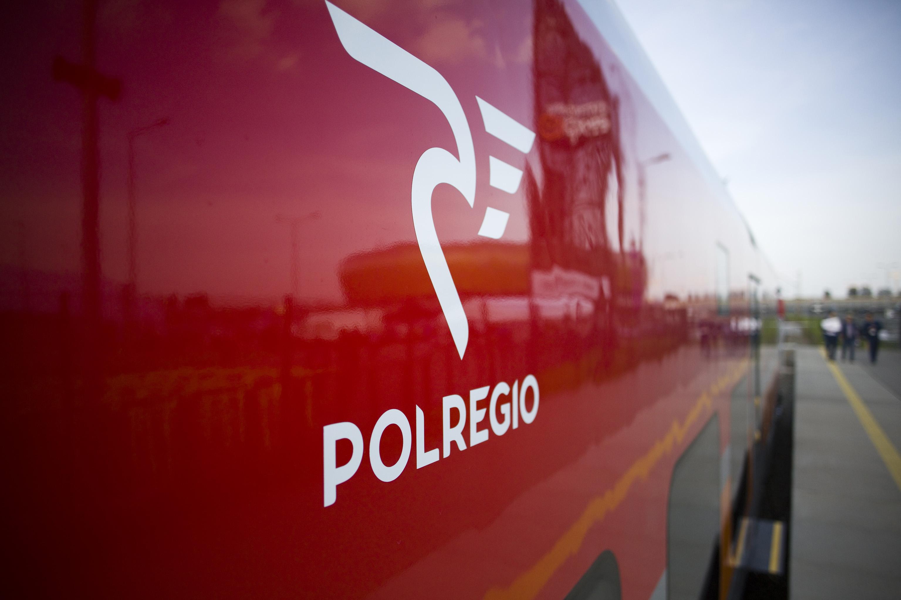 Bilety okresowe na pociągi POLREGIO kupimy przez KOLEO