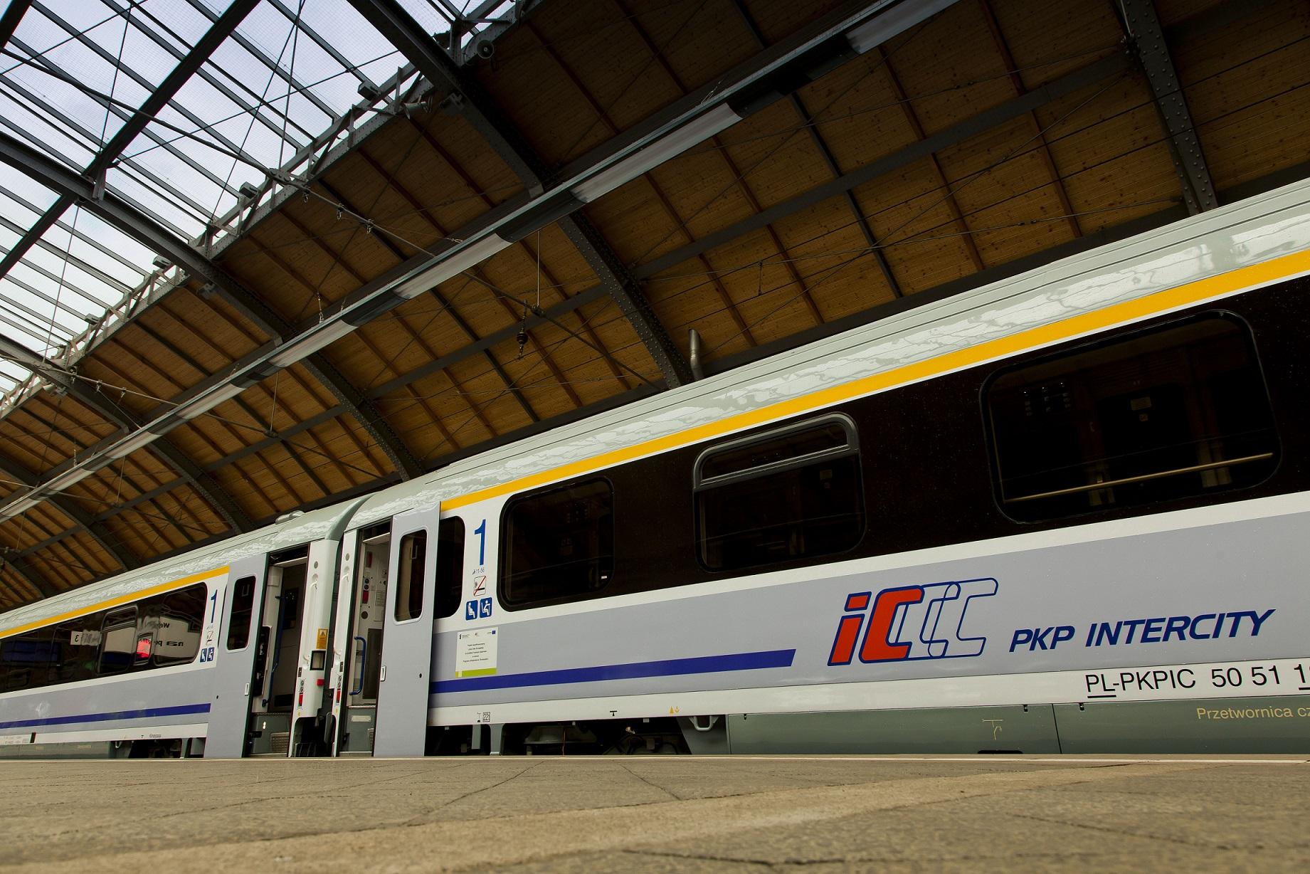 Zmiany w podróżowaniu 5 lipca. Składy zastępcze za niektóre pociągi IC i EIP