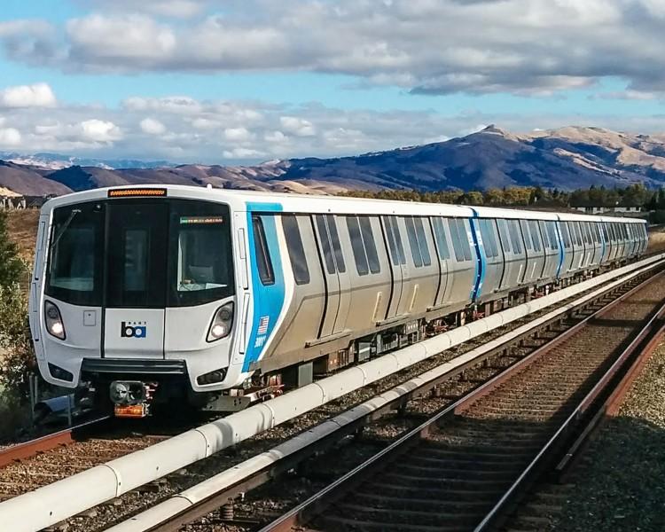Bombardier dostarczył pociągi do San Fransisco