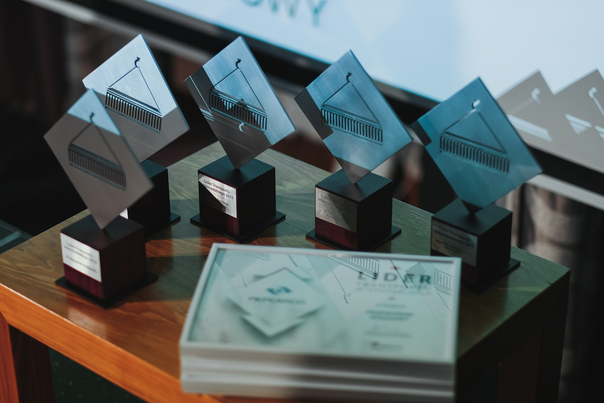 FRACHT 2018: PKP S.A. oraz spółki z Grupy PKP CARGO laureatami konkursu Lider Transportu Intermodalnego