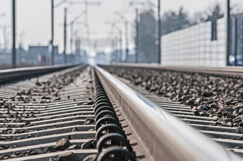 NaKolei.pl - Wiadukty nad ul. Zielony Most, Godlewskiego i Łupaszki w Krakowie-rusza kolejny etap prac na linii do Katowic