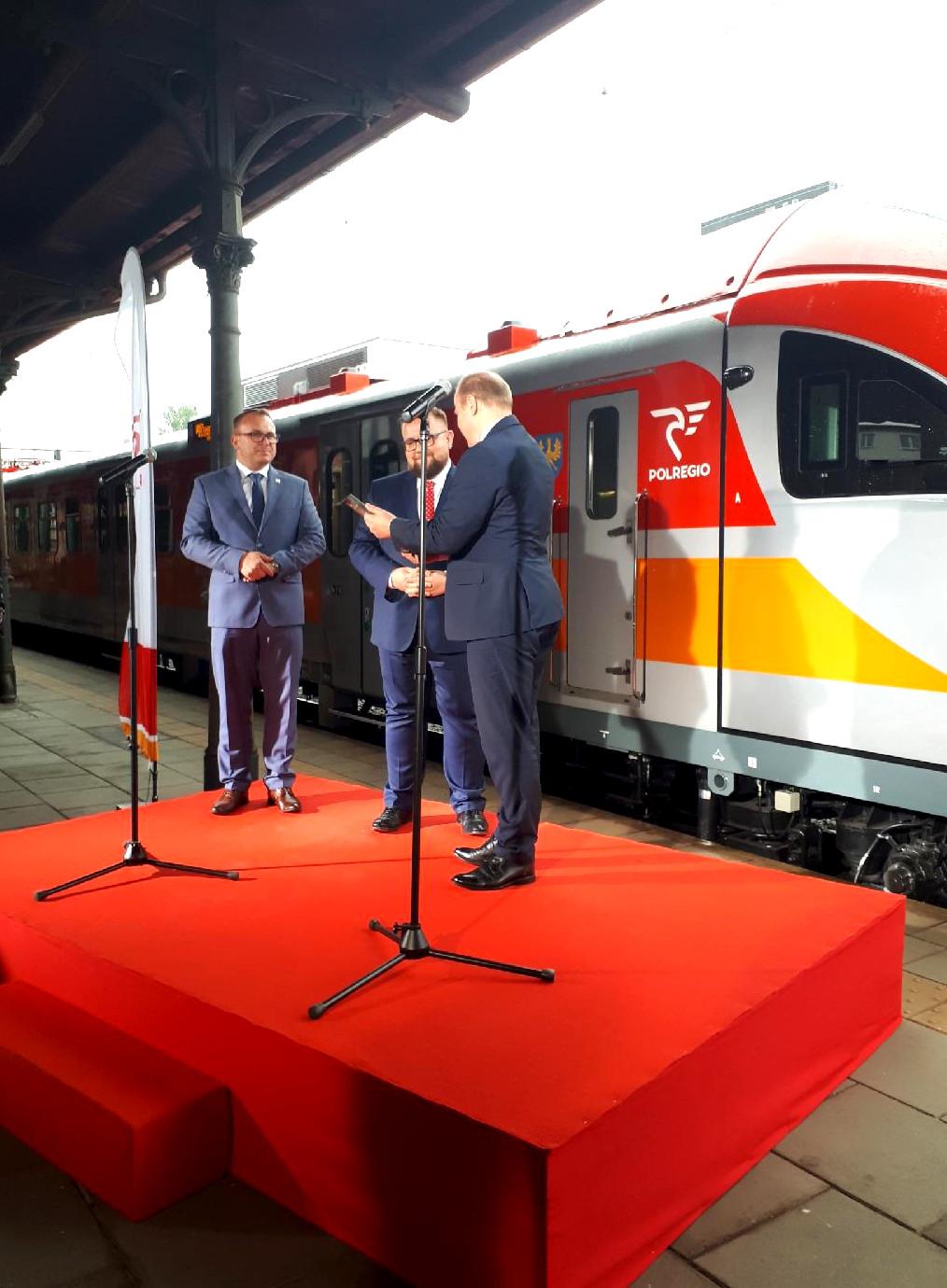 POLREGIO odebrało już zmodernizowane ED72 dla województwa opolskiego