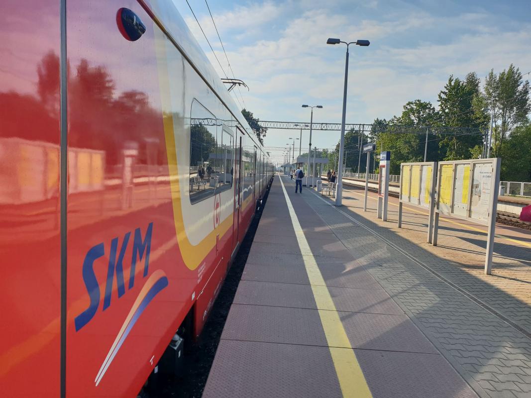 NaKolei.pl - Bilet Metropolitalny dla podróżnych z podwarszawskich gmin