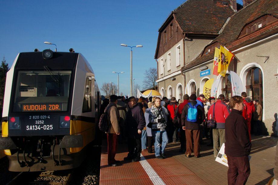 Na trasie Kłodzko-Kudowa Zdrój znów jeżdżą pociągi