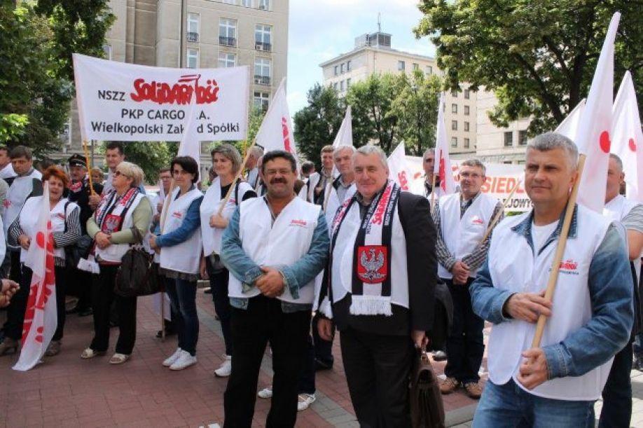 Protesty pod siedzibą Ministerstwa i PKP Cargo