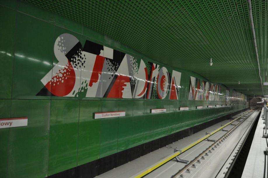 Warszawa: Zamieszanie wokół II linii metra. Kolejne przesunięcie terminu otwarcia