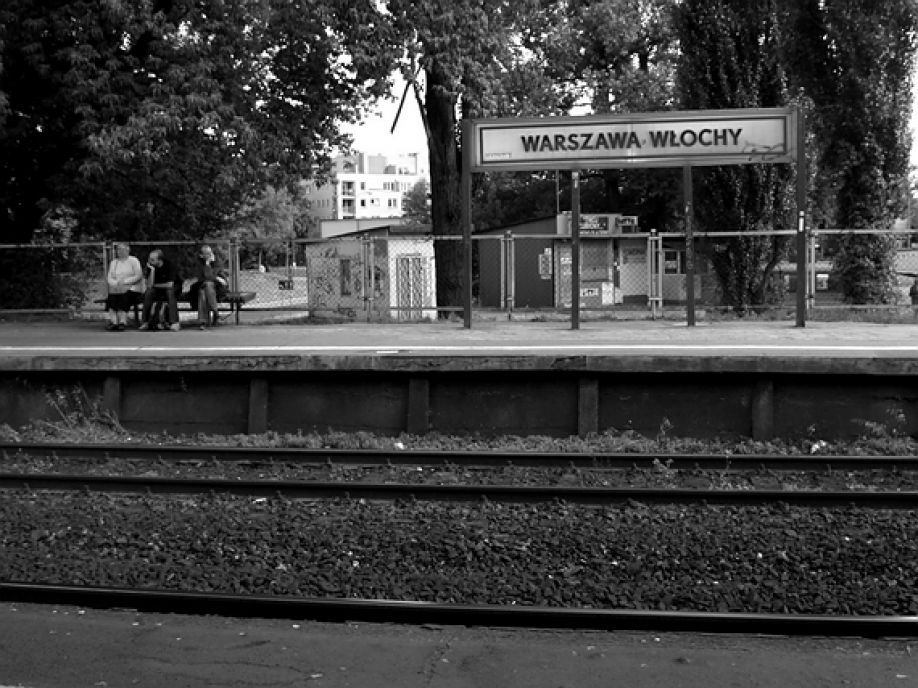 Znowu pociąg znalazł się na złym torze – czy życie pasażerów było zagrożone?