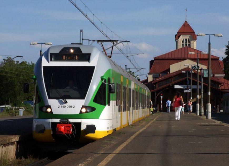 W styczniu 2018 pociągi przewiozły mniej pasażerów