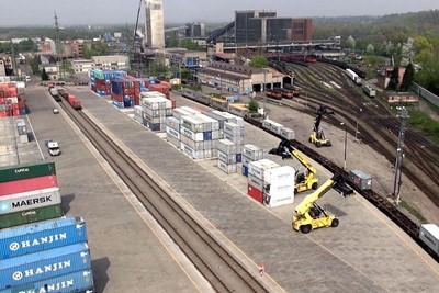 NaKolei.pl - GUS: Przewozy towarowe ostro w górę