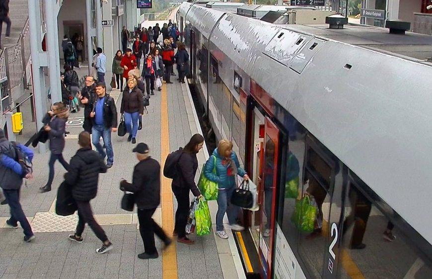 NaKolei.pl - Co szósty pasażer korzystający z linii PKM to student lub uczeń