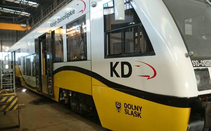 """NaKolei.pl - Inna nazwa i ceny taryfy ,,Podróżuj z KD"""". To nie jedyne zmiany od 1 września"""