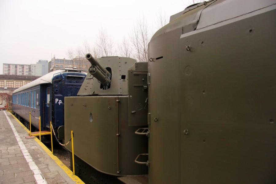 NaKolei.pl - Pociąg pancerny i jego wnętrze-jutro pokaże je nam Stacja Muzeum