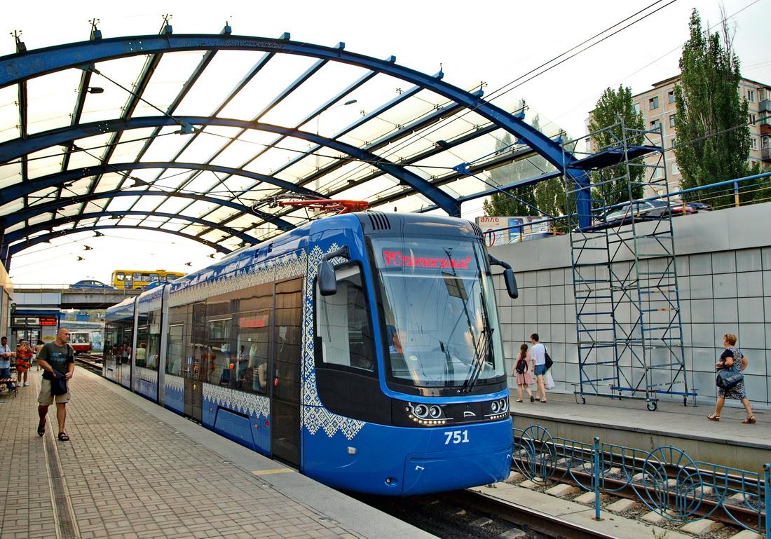 Tabor Kijowa zasilony 40 tramwajami Pesy