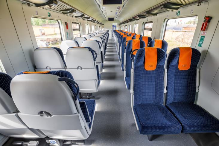 NaKolei.pl - Wzrost zatrudnienia w kolejowych przewozach pasażerskich. Spadek w przewozach towarowych