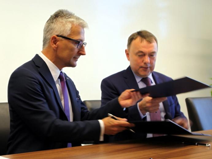 Związek Niezależnych Przewoźników Kolejowych rozpoczyna współpracę z UTK