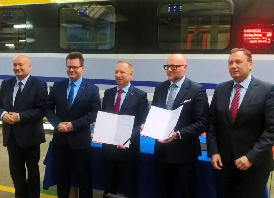 60 wagonów dla PKP Intercity