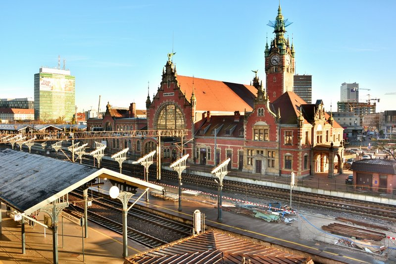 NaKolei.pl - Umowa PKP S.A. i BGK Nieruchomości S.A.: Mieszkania na kolejowych gruntach będą budowane od 2019 roku