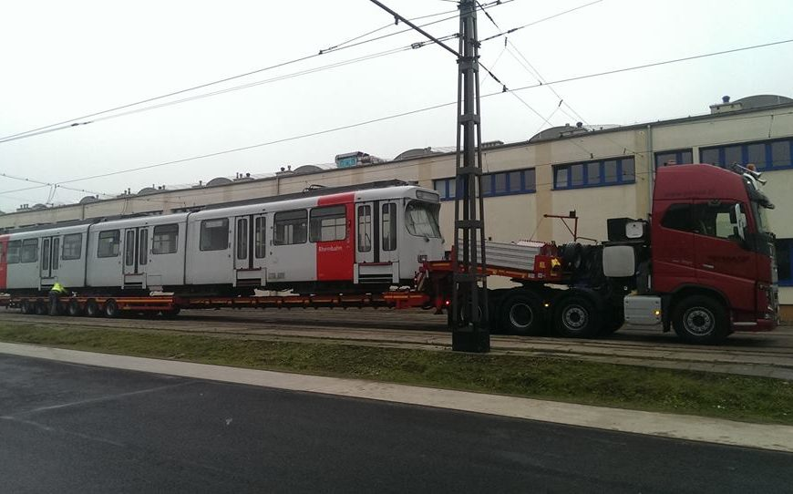 NaKolei.pl - Kolejny wagon GT8S z Düsseldorfu dla MPK Kraków