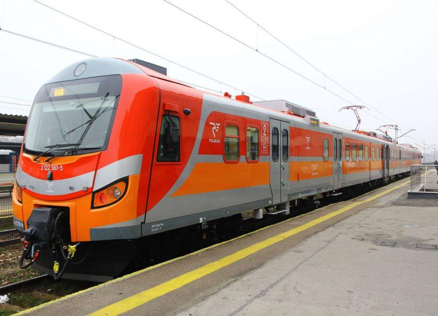 NaKolei.pl - Woj. świętokrzyskie odebrało zmodernizowany pociąg EN57