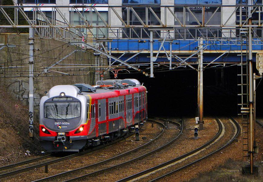 NaKolei.pl - Tysięczny pantograf kolejowy 160 EC od EC Engineering