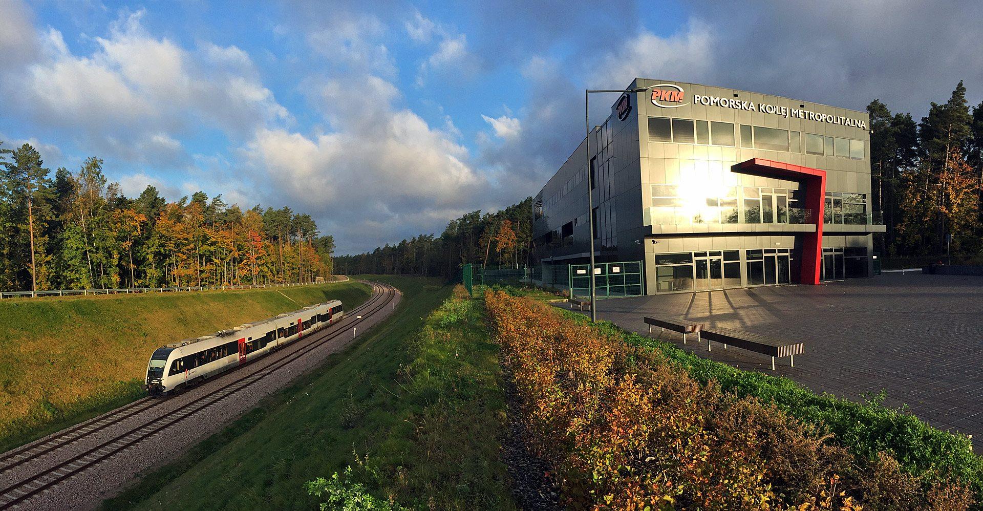 NaKolei.pl - Pomorska Kolej Metropolitalna: W marcu na linii przejechało aż 324,4 tys. osób. Jest rekord!