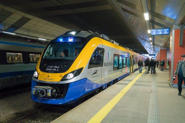 NaKolei.pl - Impuls EN79 zastąpi pociąg kursujący na trasie SKA2