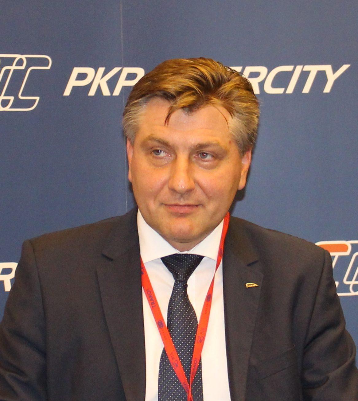 Nowy prezes Pesy. Krzysztof Sędzikowski za Roberta Świechowicza