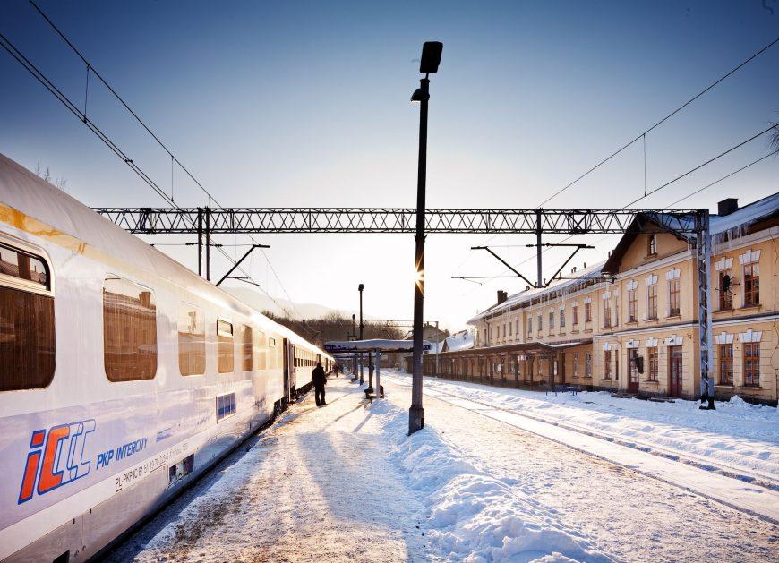 NaKolei.pl - W lutym spadła liczba pasażerów na kolei