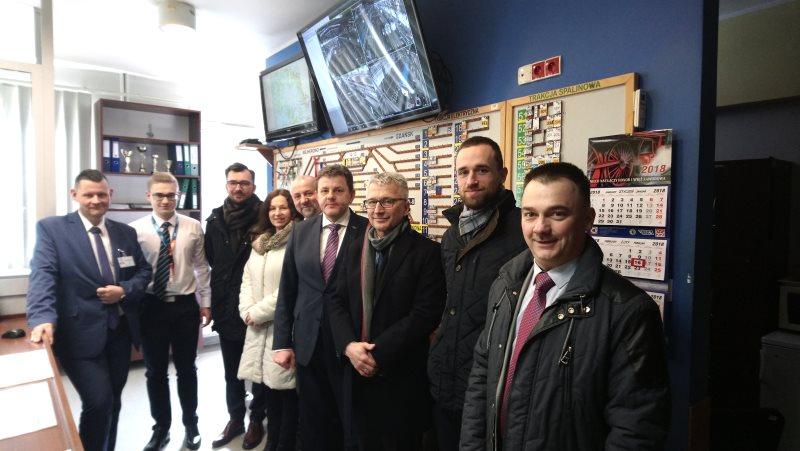 NaKolei.pl - Specyfika pracy w SKM Trójmiasto - przedstawiciele UTK odwiedzili przedsiębiorstwo