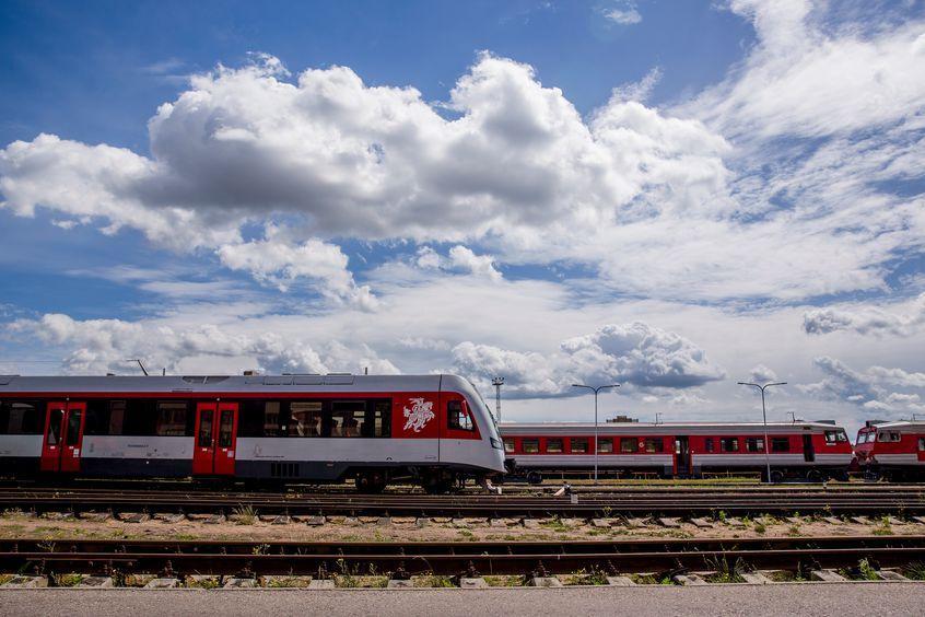 NaKolei.pl - Koleje Litewskie z trójpodziałem na przewozy pasażerskie, towarowe i zarządzanie infrastrukturą