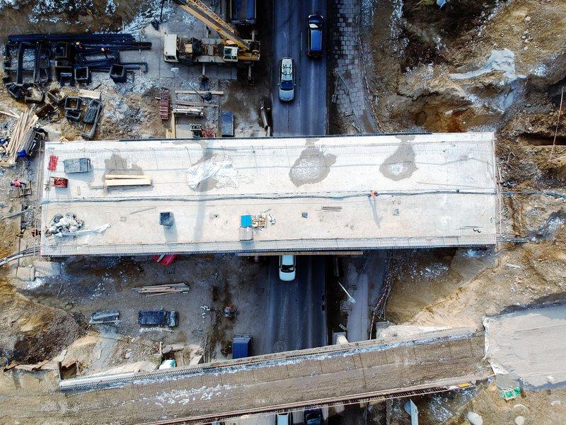 NaKolei.pl - Prace przy wiaduktach kolejowych. Od piątku wygodniej w ruchu drogowym na ul. Armii Krajowej w Bronowicach