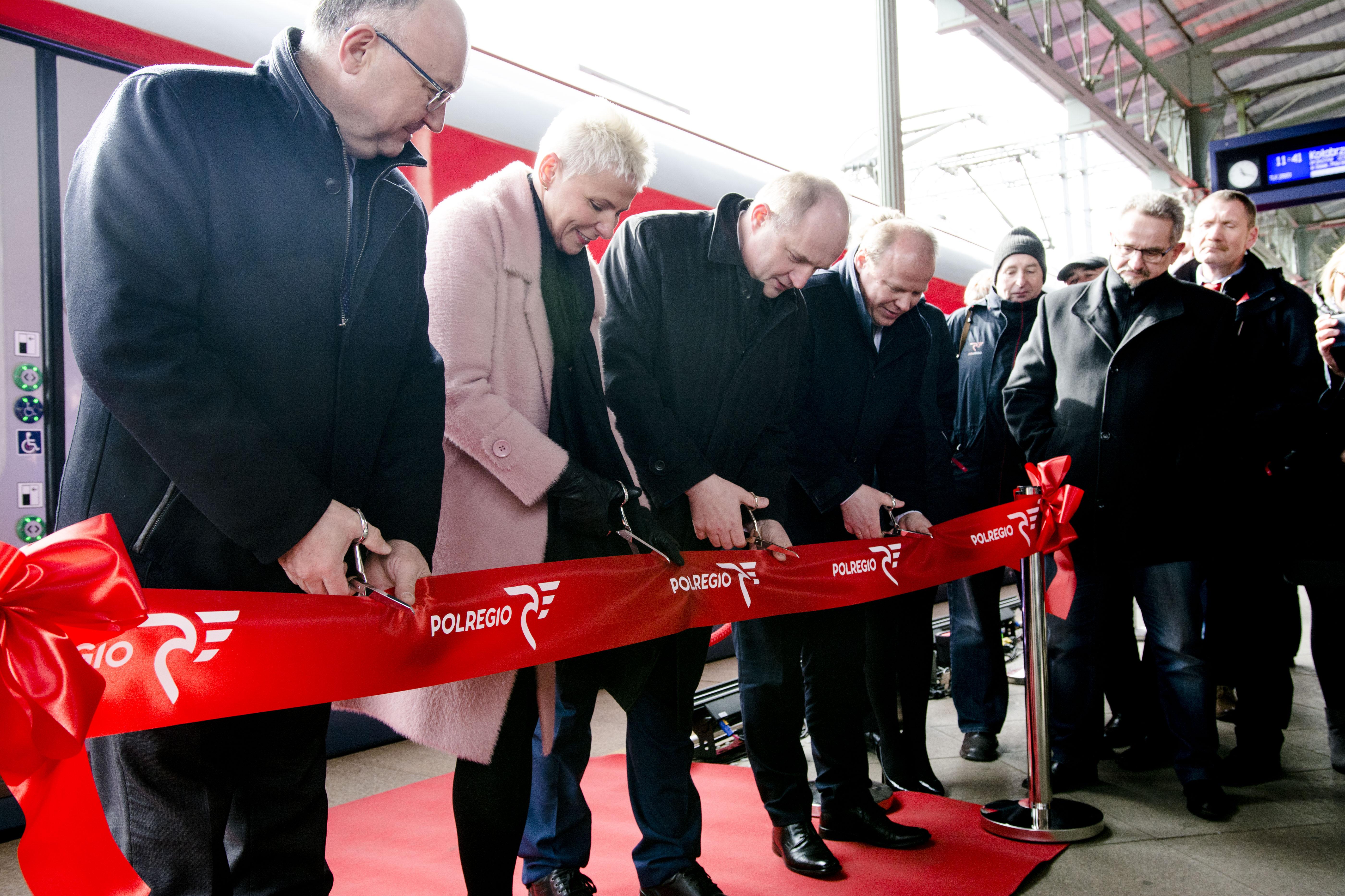 Kujawsko-pomorskie z nowymi pociągami Elf2 w barwach POLREGIO