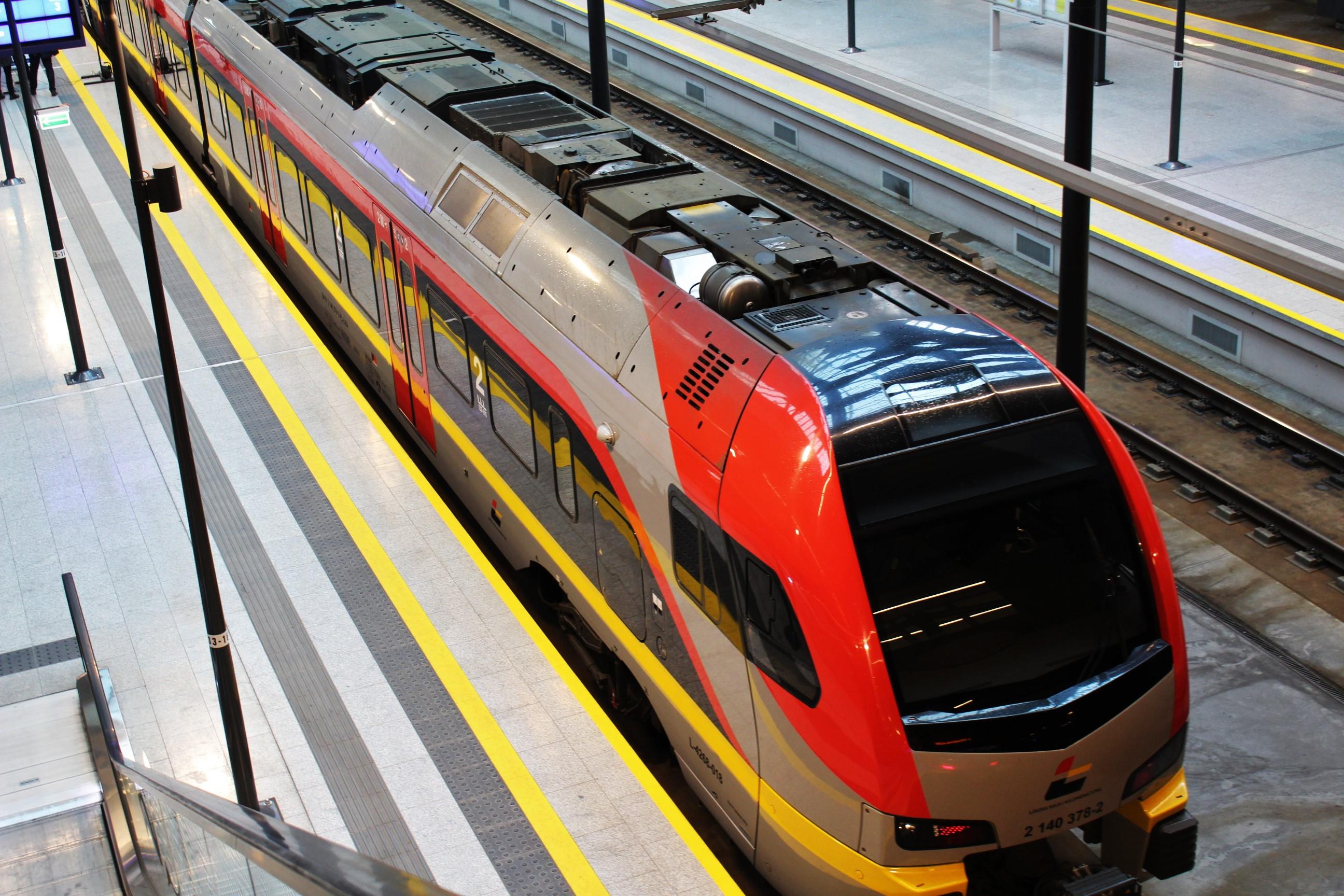 Od 9 kwietnia zmiany w kursowaniu pociągów ŁKA. Powód: zamknięcia torów