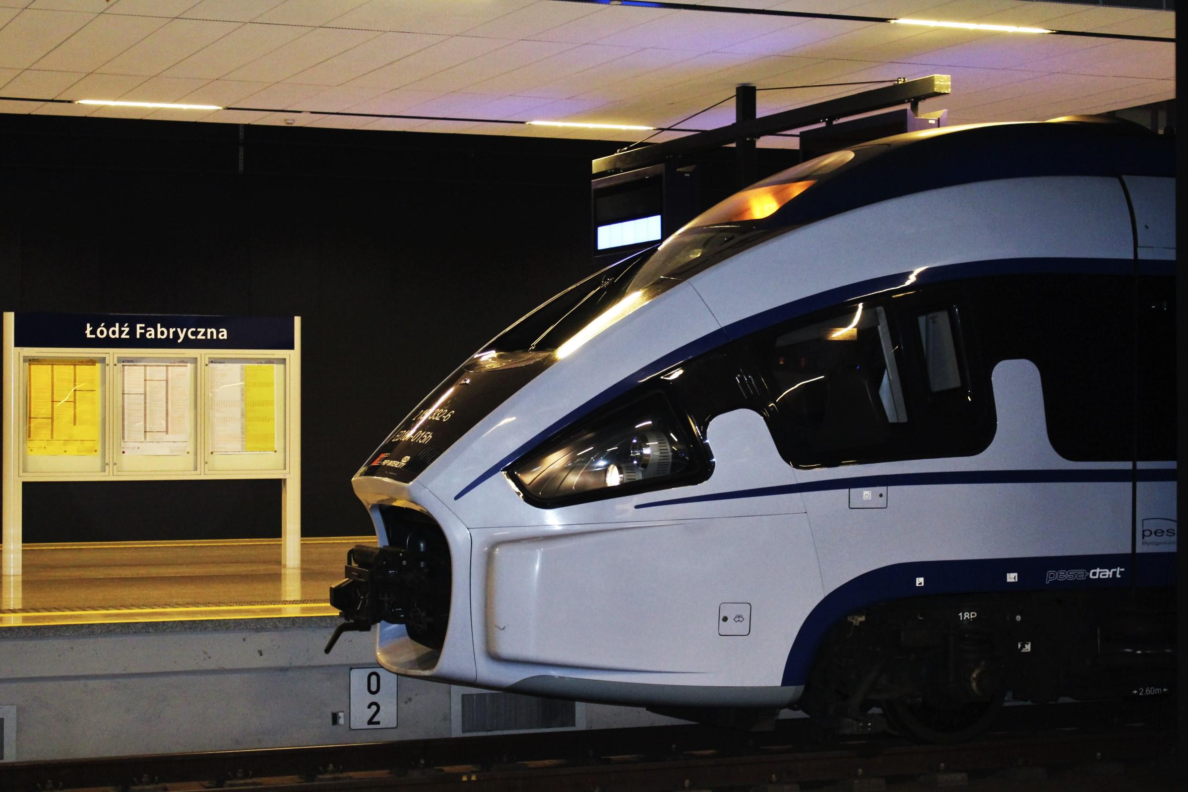 NaKolei.pl - Mobilni informatorzy, więcej miejsc w pociągach. Wyjazdy świąteczne i przygotowania spółek Grupy PKP