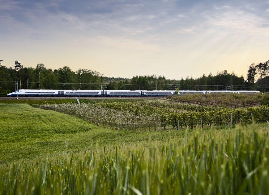 NaKolei.pl - PKP Intercity zachęca do podróży na trasie Warszawa-Berlin. Tańsze bilety już w przedsprzedaży