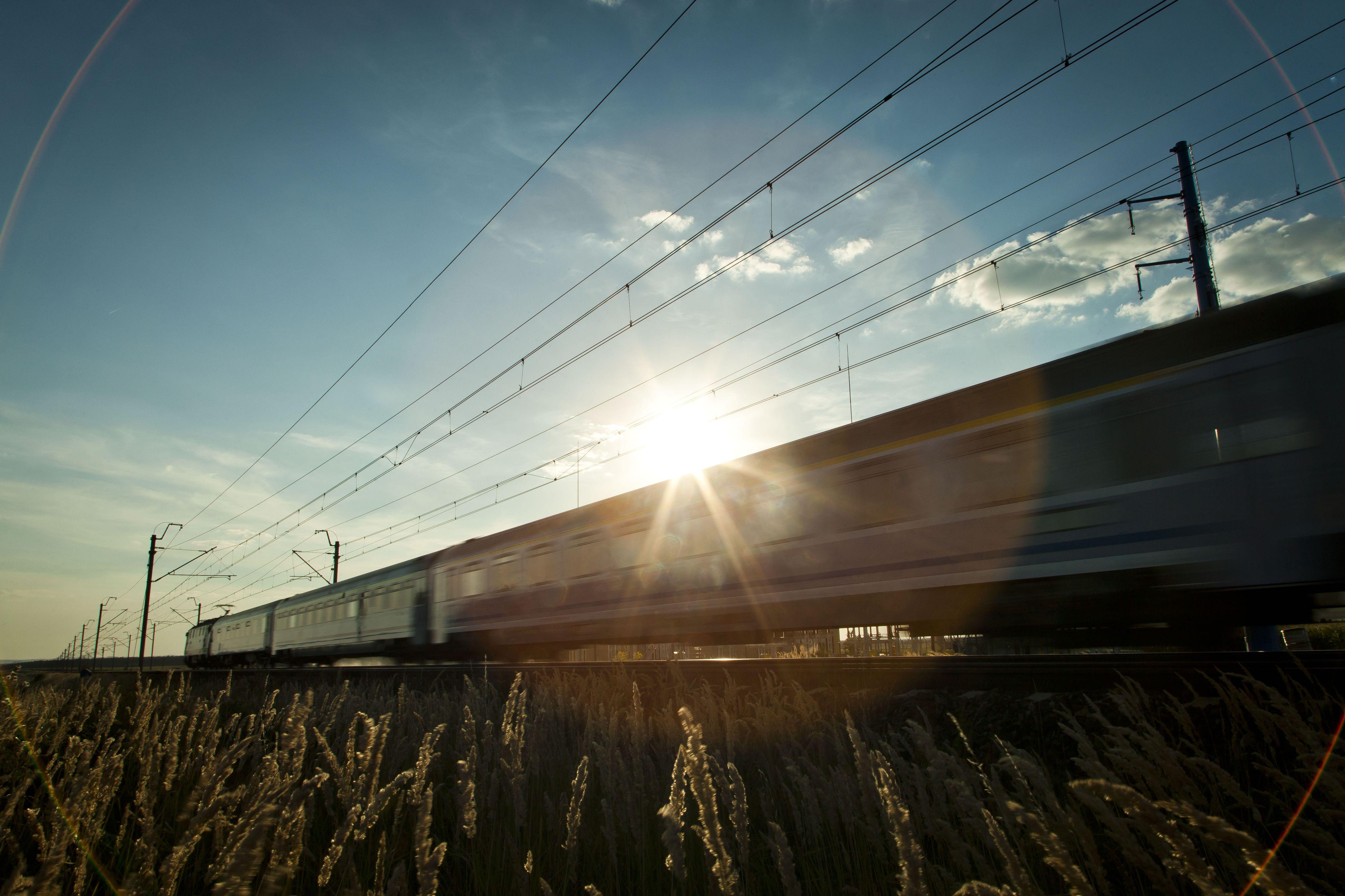 ZNTK Mińsk Mazowiecki i PESA zmodernizują 10 wagonów dla PKP Intercity