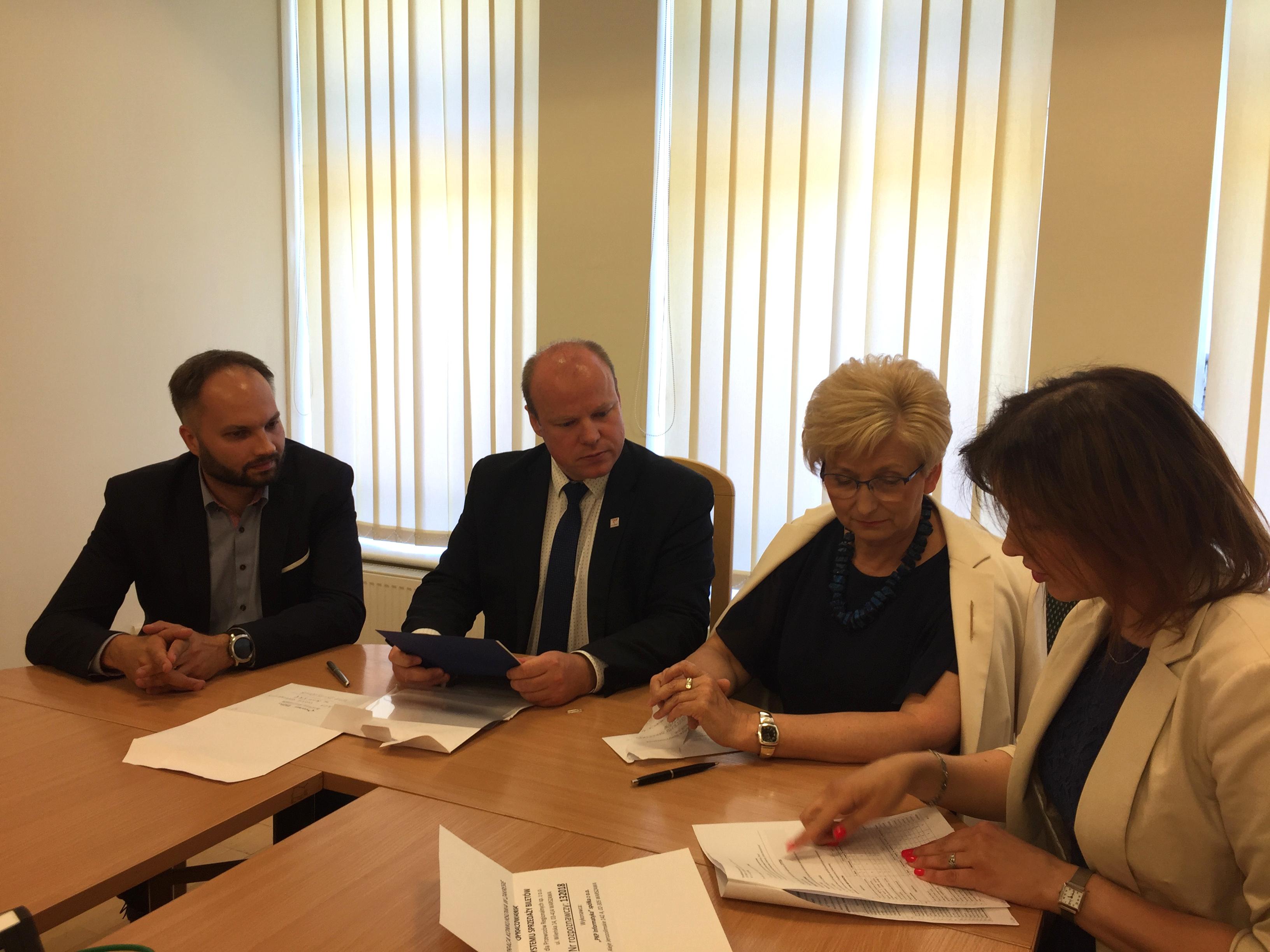 Nowy system sprzedaży biletów POLREGIO dostarczy TK TELEKOM i S&T SERVICES POLSKA