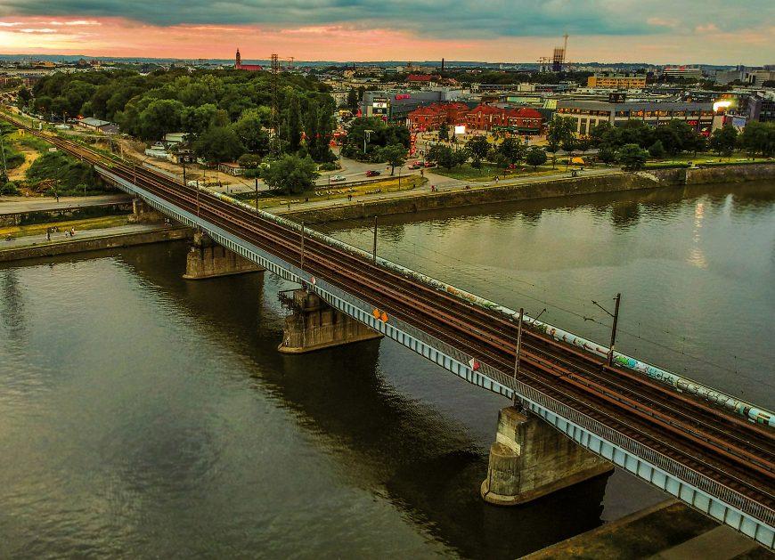 NaKolei.pl - Kompletowany jest zarząd PKP PLK S.A. Ruszył nabór na stanowiska dyrektora ds. rozwoju i dyrektora ds. operacyjnych