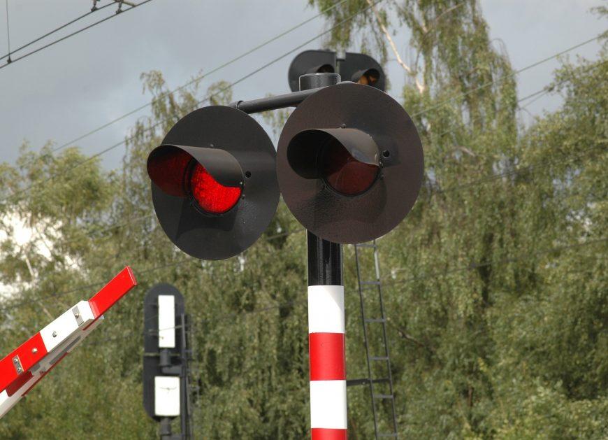 NaKolei.pl - Daleszewo k. Gryfina: Ciężarówka wjechała pod pociąg. Nie żyje kierowca