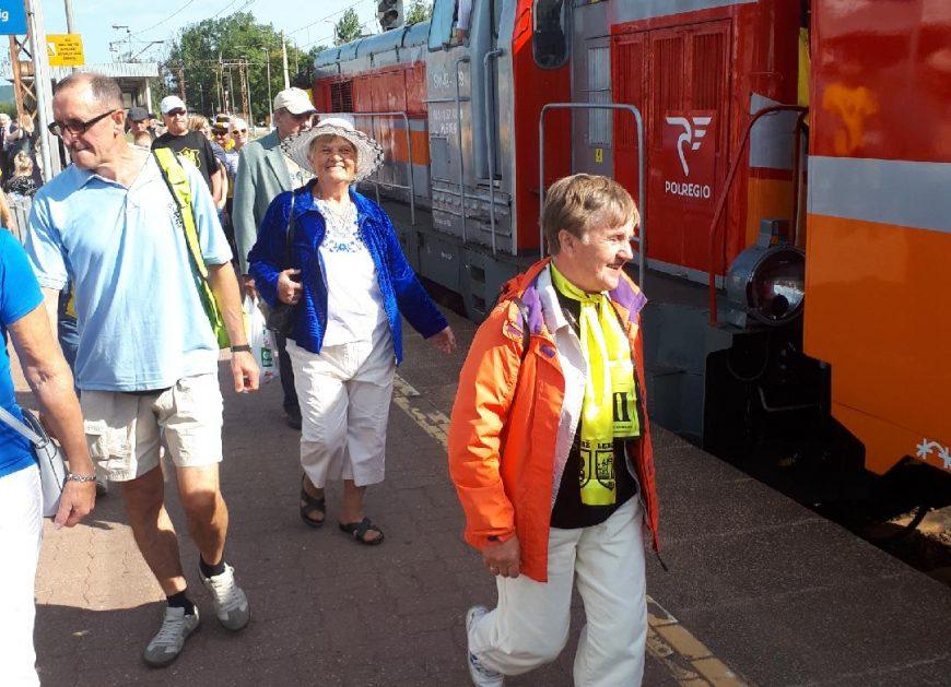 """NaKolei.pl - Blisko 1600 pasażerów pociągu specjalnego ,,Transcassubia"""""""