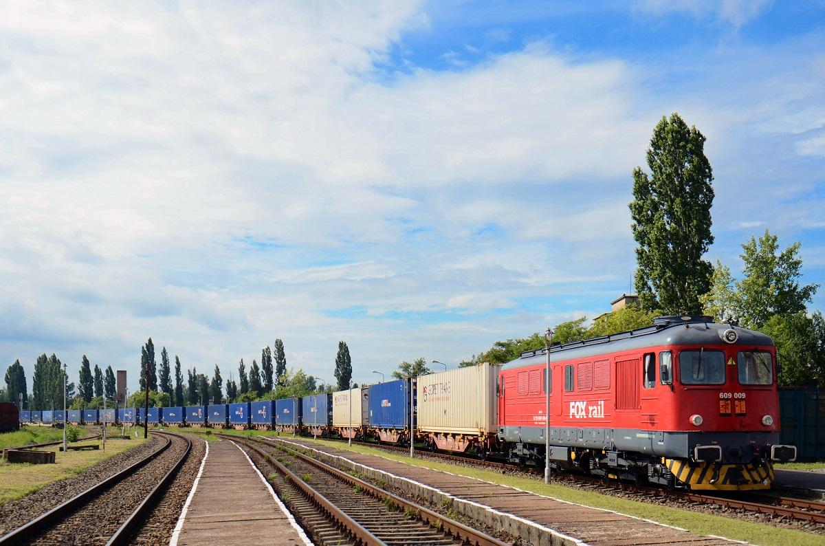 NaKolei.pl - GOPET Poland i pierwszy intermodalny pociąg do Rumunii. Łódzki SPEDCONT terminalem przeładunkowym