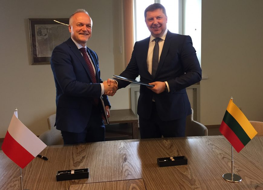 NaKolei.pl - Ułatwienia na szlaku Rail Baltica. PKP CARGO podpisało umowę z Kolejami Litewskimi