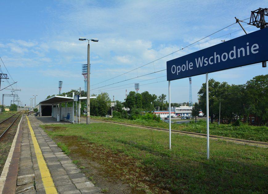 NaKolei.pl - Dla pasażerów przystanek Opole Wschodnie, a dla towarów remont wiaduktu