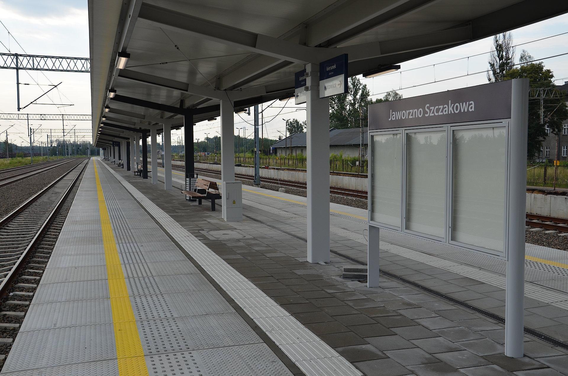 Efekt prac na linii E30-w godzinę z Krakowa do Katowic. Są udogodnienia na stacji Jaworzno Szczakowa