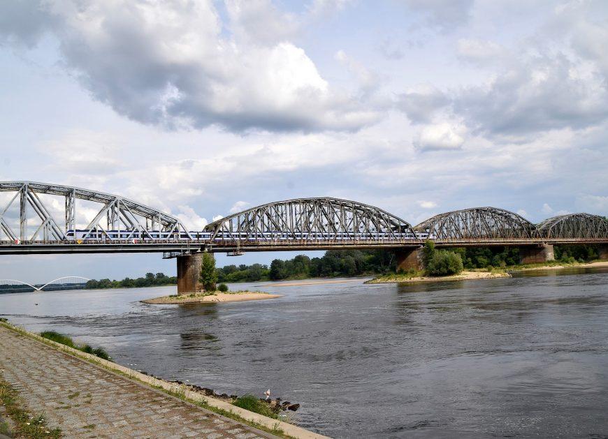NaKolei.pl - Modernizacja odcinka Toruń Główny-Toruń Wschodni usprawni transport w aglomeracji