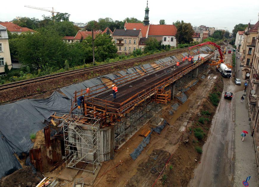 NaKolei.pl - Kraków niebawem z nowymi torami kolejowymi. Są już dwie estakady